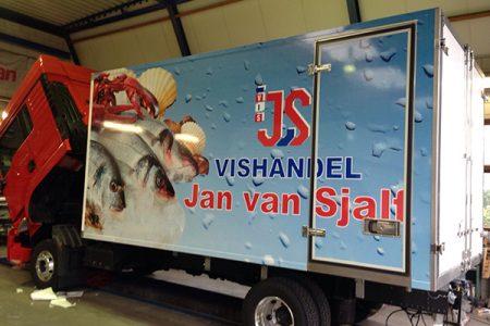 Vrachtwagen Jan van Sjalf